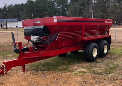 New BBI pull type spreader