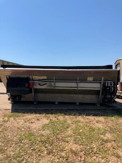 Refurbished L3020 spreader  13' belt over chain
